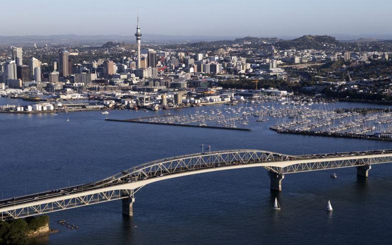 About The Auckland Harbour Bridge